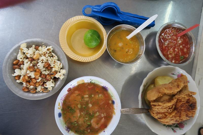 Morgenmad på Quito marked