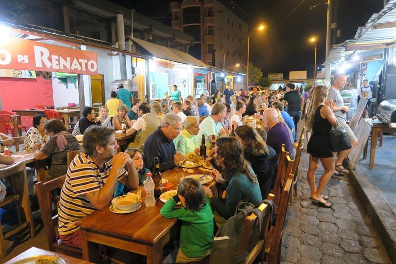 Restaurantgaden i Puerto Ayora