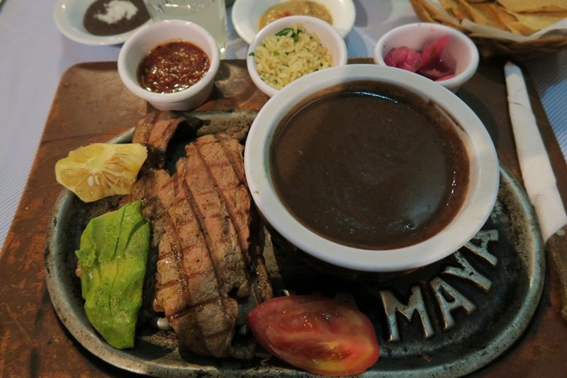 Poc chuc på La Chaya Maya