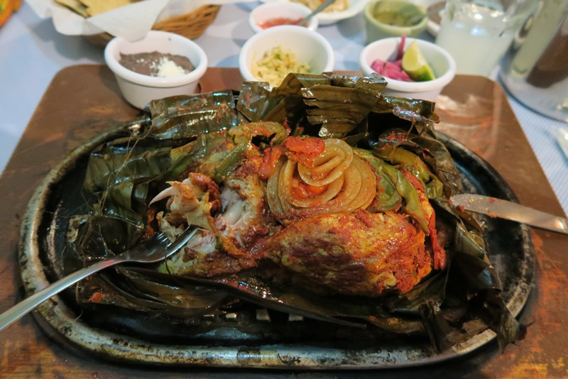 Pollo pibil på La Chaya Maya