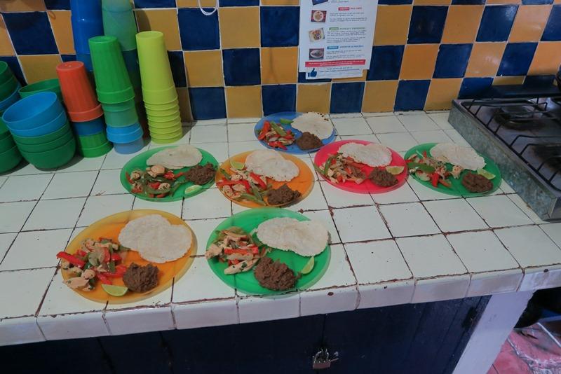 Vi laver fajitas på kokkekursus i Mexico