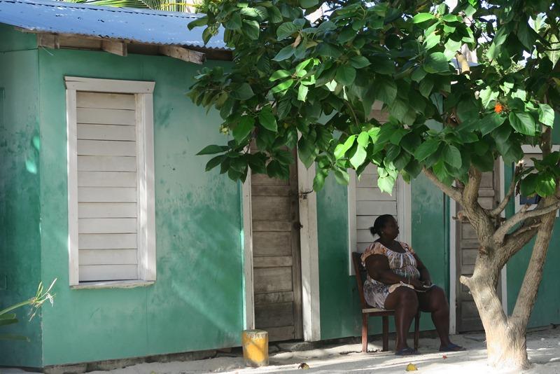 Gadebillede på Tobacco caye i Belize