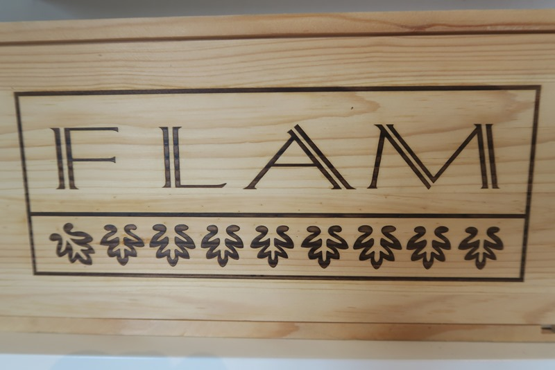 Vinkasse hos Flam Winery