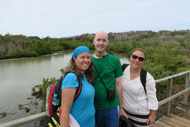 Two Danes On Tour på vej til Las Grietas på Galapagos