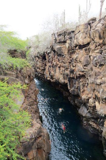 Badning i klippespalten Las Grietas