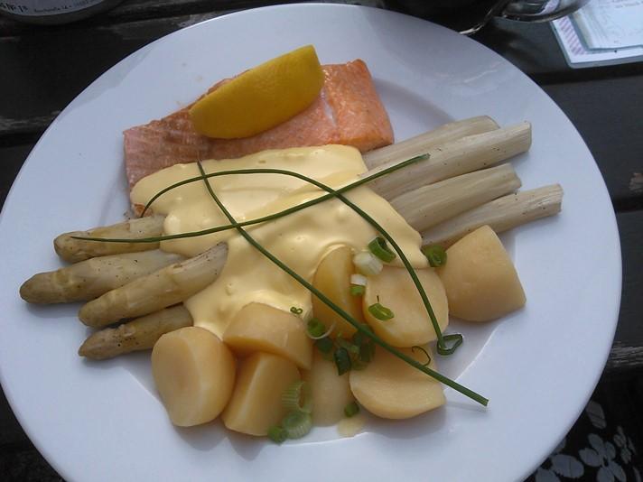 Laks og asparges i Schwerin