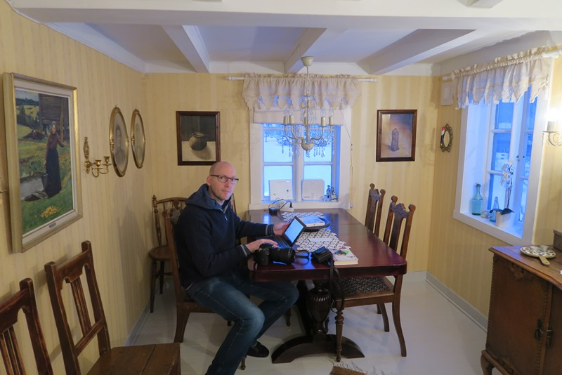 Den ene stue i Almahuset i Andenes