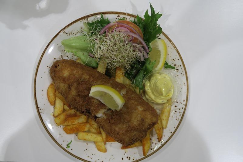 Fish and chips i Evenes lufthavn