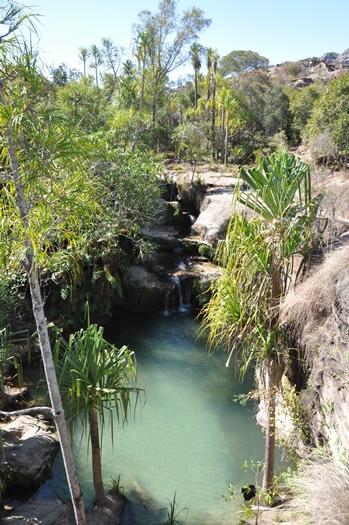 Lille vandfald i Isalo Nationalpark i Madagaskar