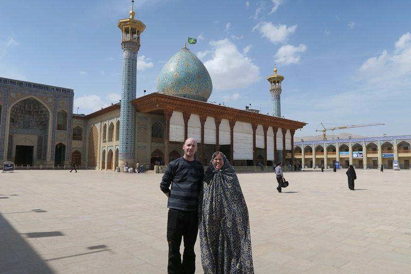 Anne Marie i fuld chardor i Shiraz i Iran