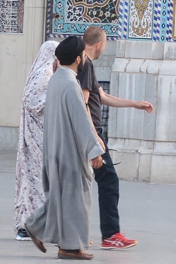 Rundtur med præst i Qom