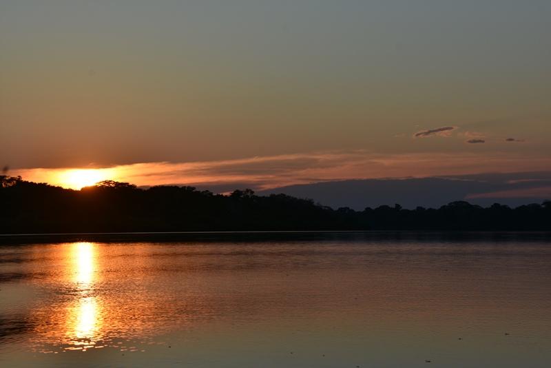 Fin solnedgang i Amazonas