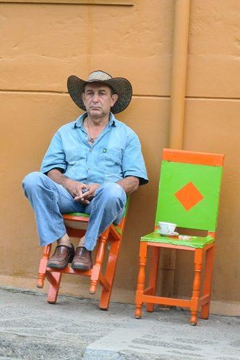 Sådan vipper de på stolene i Jardín, Colombia