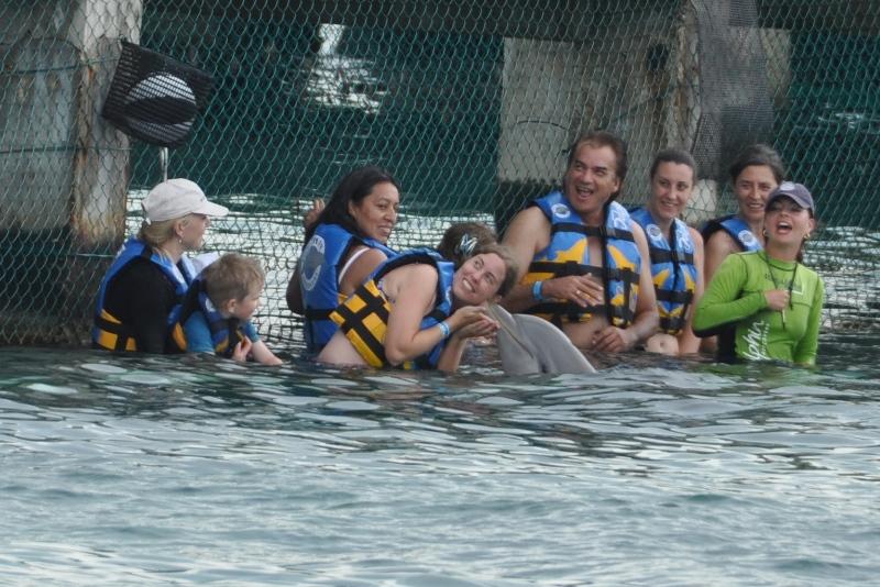 Endnu et kindkys fra delfinen Odessa