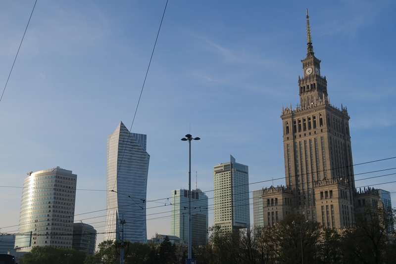 Forskellige stilarter forenes i Warszawa