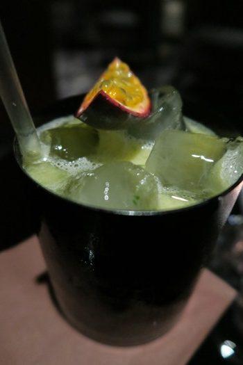 Passionsfrugt drink på Marriott Sky bar, Warszawa
