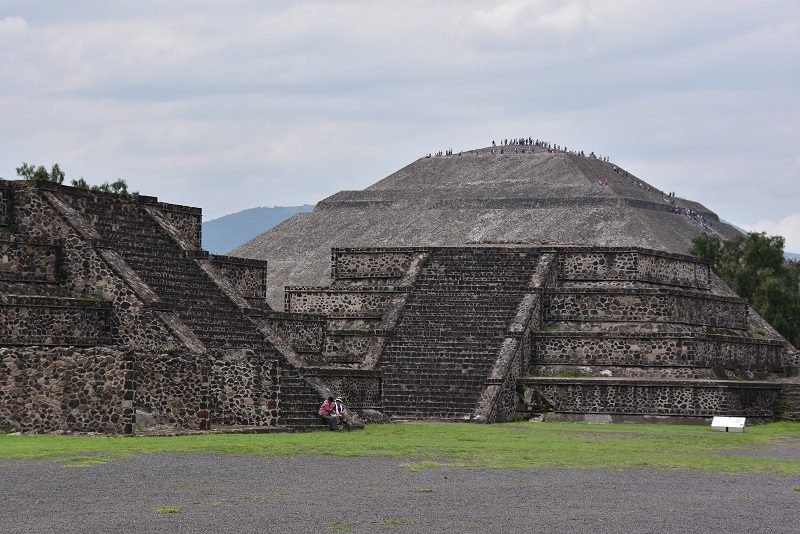 Solen ved Teotihuacan, Mexico