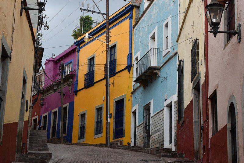 Farverige huse i Guanajuato, Mexico