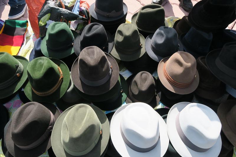Hatte til salg i Otavalo