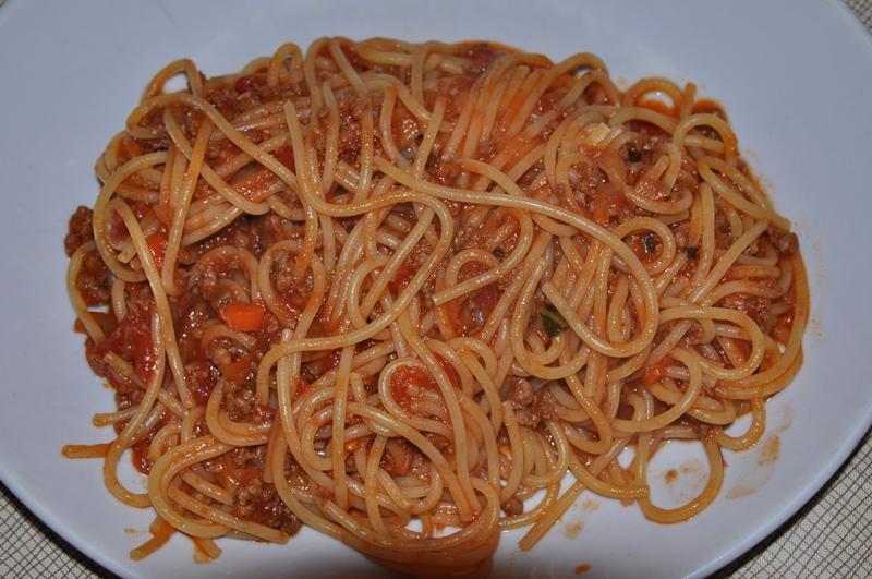 Spagetti med kødsovs