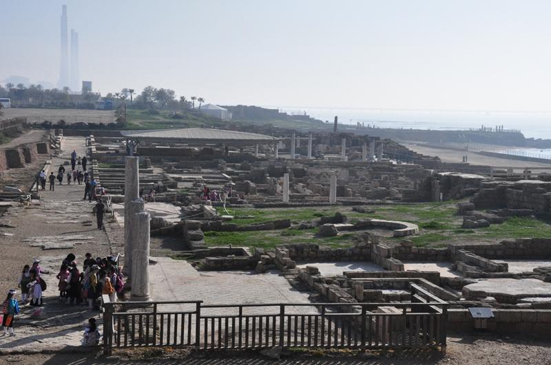 Udsigt over nogle af ruinerne i Caesarea