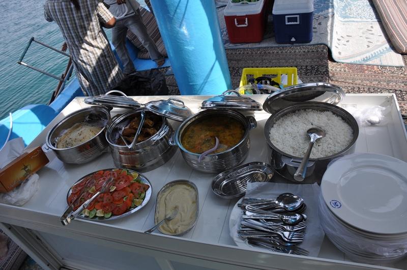 Frokost på båden i Oman