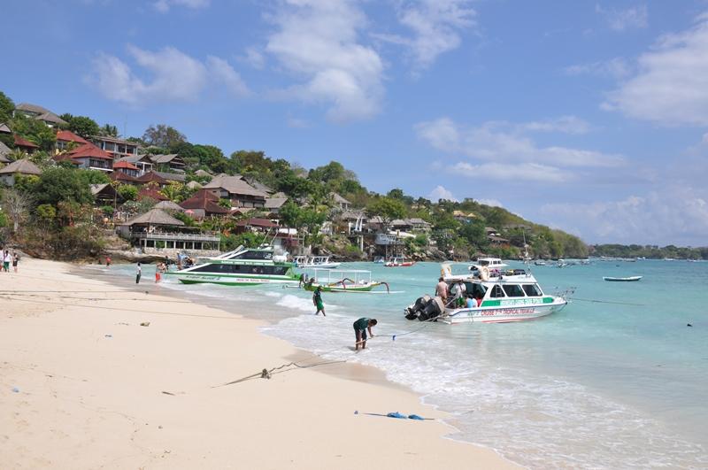 Stranden hvor vi boede på Nusa Lembongan