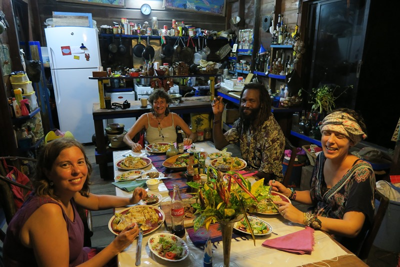 Fællesspisning hos Kismet Inn i Belize