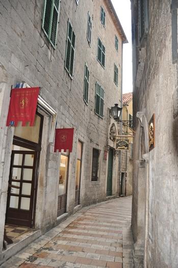 Smalle gader i Kotor i Montenegro