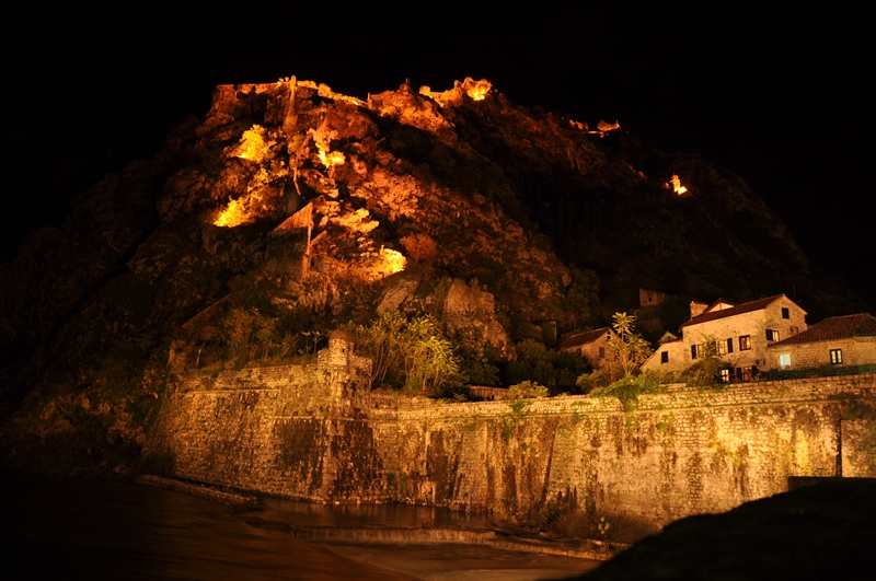 Kotor by night i Montenegro