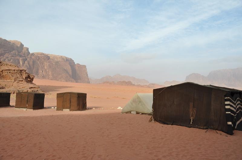 Teltlejr i Wadi Rum ørkenen i Jordan