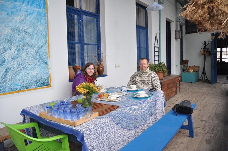 Hygge på verandaen på Marinas Guesthouse i Georgien