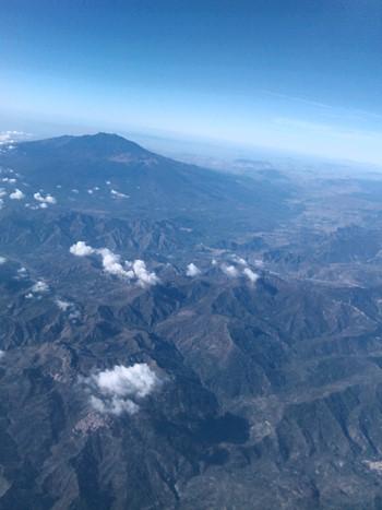 Udsigt over Etna fra flyveren hjem
