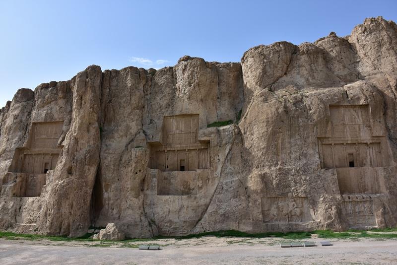 Gamle grave ved Nasqsh-e Rustam
