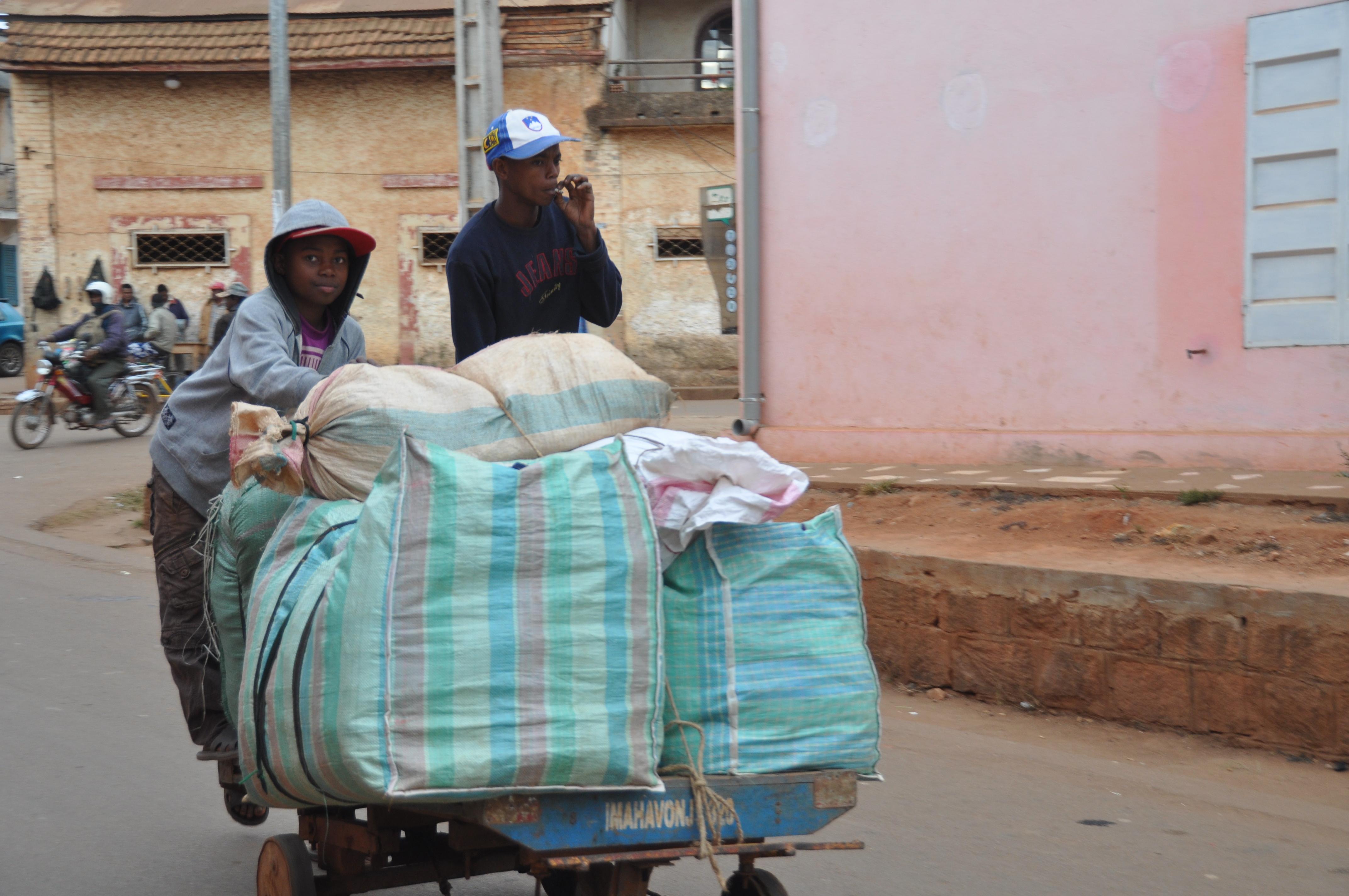 Disse vogne bruges over hele Madagaskar