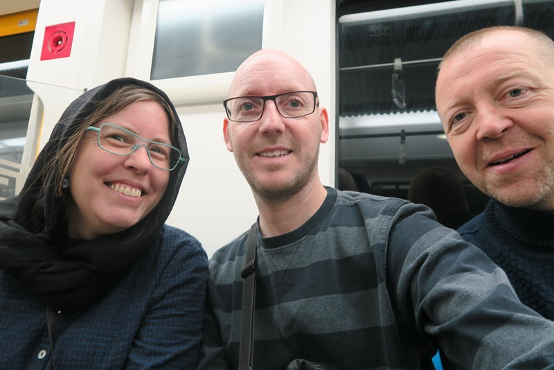 Two Danes On Tour i metroen i Teheran sammen med Martin