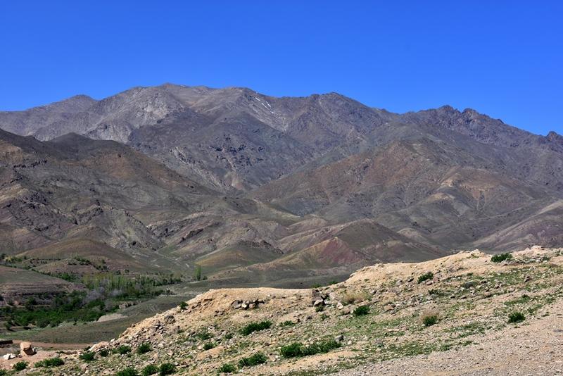 Smukke bjerge nær Niasar i Iran