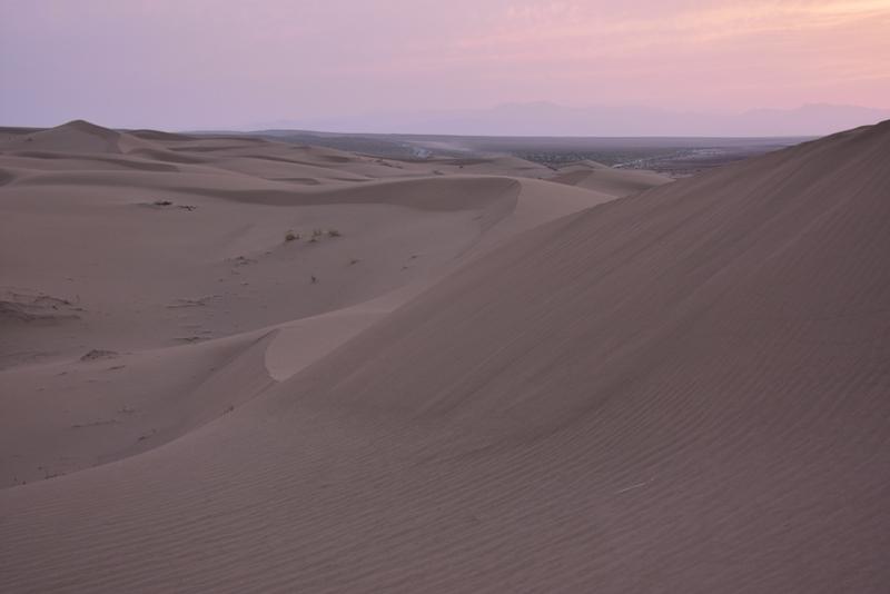 Solnedgang og ørken