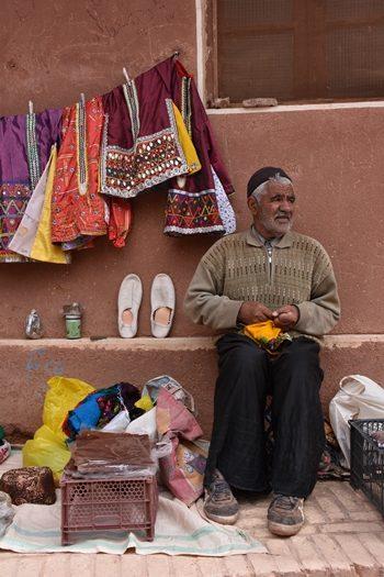 Sælger i Abyaneh i Iran