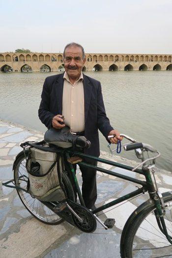 Ældre mand som gerne ville fotograferes i Isfahan