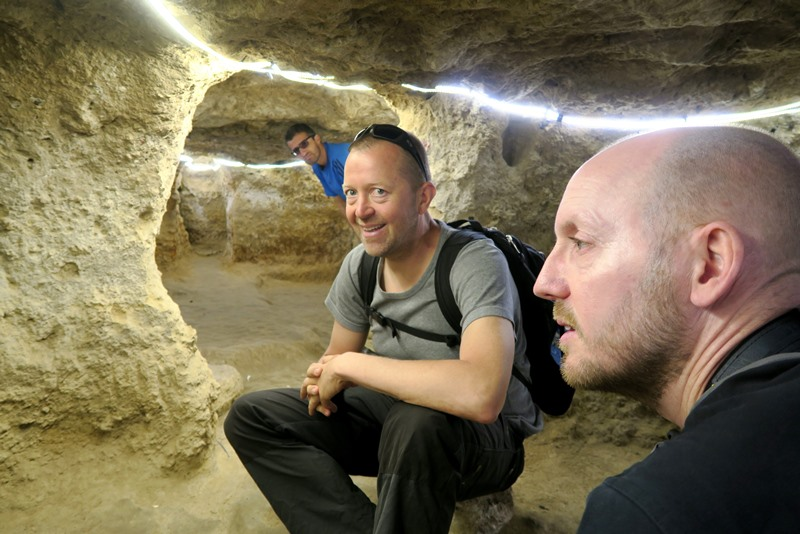 I tunnelerne i Niasar