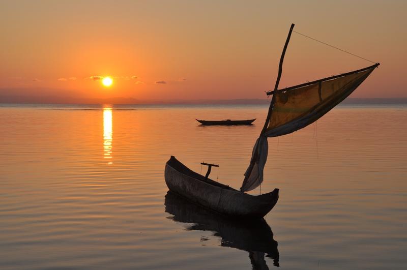 Smuk solnedgang ved Ile Sante Marie, Madagaskar