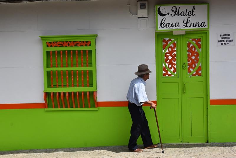 Farverigt hus i Jardín, Colombia