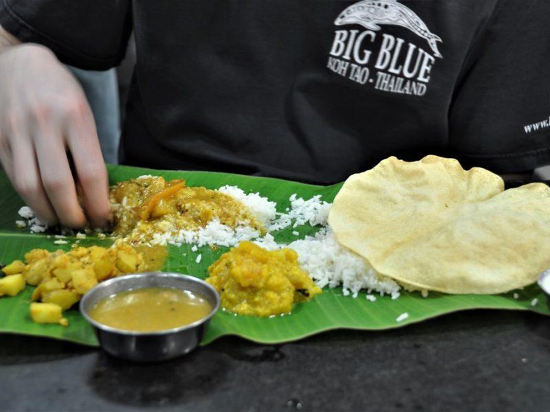 Lækker thali serveret på bananblad