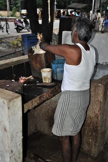 Kyllingerne slagtes på torvet, Neil Island, Andamanerne