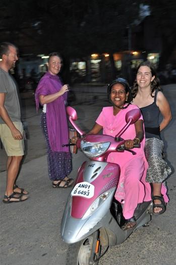 På vej ud efter løg, Neil Island, Andamanerne