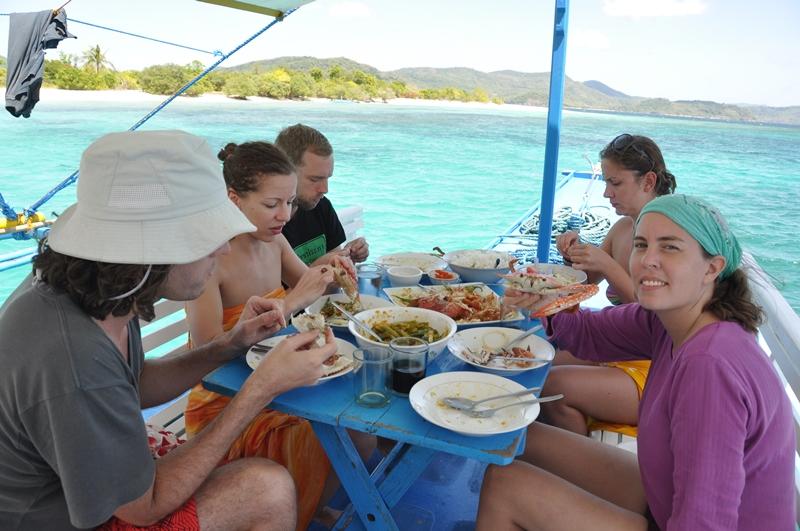 Lækker frokost på Tao Expeditions, Filippinerne