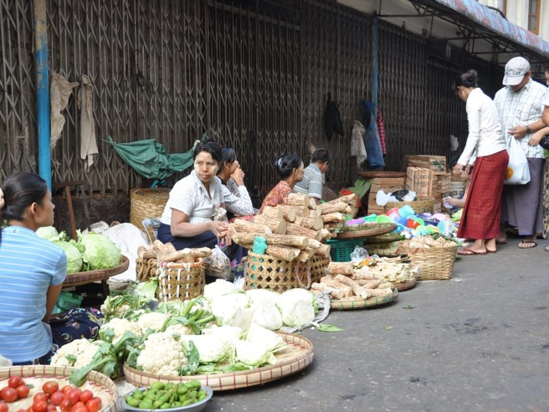 Markedsgade i Yangon
