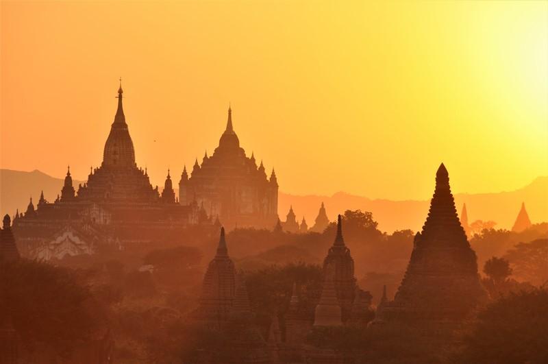 Flot solnedgang, Bagan, Myanmar