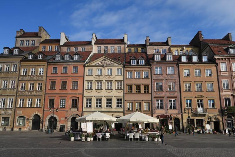 Flotte huse på det gamle torv i Warszawa
